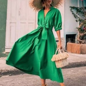 Zara green dress with voluminois sleaves